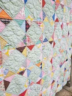 (356) BEAUTIFUL Vintage FEEDSACK QUILT Pinwheels in Squares Handmade
