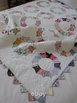 Beautiful & Large Vintage Feedsack Dresden Plate QUILT 98x80 Sawtooth Border