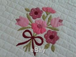 Beautiful Vintage Handmade Applique Quilt Flower Bouquets 78 x 92