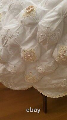 Beautiful Vintage Handmade White Puffy Quilt Blanket Rosettes Embroidered Lace