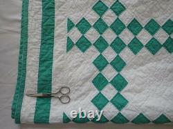 Fabulous Vintage 30s Green & White Irish Chain QUILT 85x65