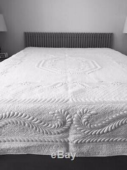 Flora NEW hand quilted TRAPUNTO king size 100 percent cotton quilt / bedspread