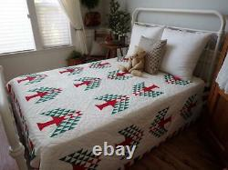 Generational Stunning Red White & Green Vintage Pine Tree QUILT 98x82 Christmas