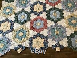 Grandmother's Flower Garden patchwork handmade quilt 77 x 78 vintage honeycomb