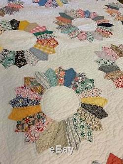 Handmade Vintage Quilt Dresden Plate Patchwork 1940's