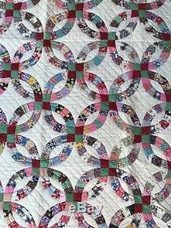 VINTAGE Flower Garden Patchwork Handmade in Texas ring Quilt Blanket 83 x 71