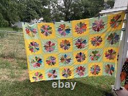 VTG Dresden Plate Patchwork Quilt Twin Bedspread Coverlet Finished Handmade