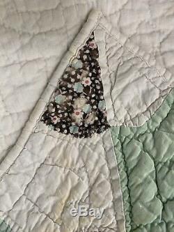 VTG Handmade Quilt Coverlet Bedspread Spoke Wheel Feed Sack Geometric 64''x 77'