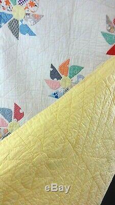Vintage 1920 Handmade Antique Pinwheel Patchwork Quilt 74 X 84
