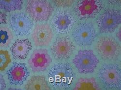 Vintage 1930s/40s Grandmothers Garden Handmade Quilt 78 x 100 Pastels