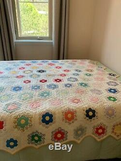 Vintage 1930s Handmade Quilt Grandmother's Flower Garden American Quilt