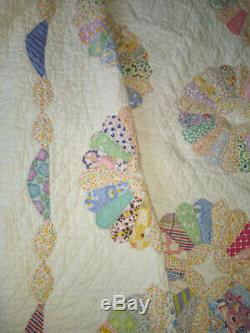 Vintage 1940's Hand Stitched Handmade Dresden Plate Twin/Full 90 x 70 Quilt