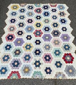 Vintage 30s Handmade Grandmother's Flower Garden Quilt Scalloped Edge 77 x 65
