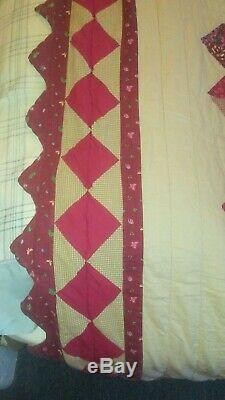 Vintage 50s Hand Made Hearts Quilt Shades of Red and Tan 86 x 96