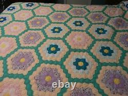 Vintage Antique Grandmothers Flower Garden Handmade Hand Quilted Quilt Feed Sack