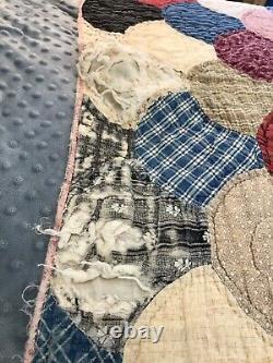 Vintage Antique Handmade Patchwork Flour Sack Scallop Clamshell Quilt 76X71