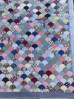 Vintage Antique Handmade Scallop Clamshell Quilt 66x90