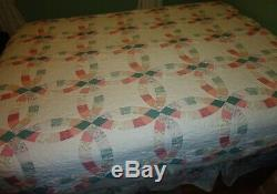 Vintage DOUBLE WEDDING RING PATCHWORK QUILT 84 x 84 with 2 Shams HANDMADE BEAUTY