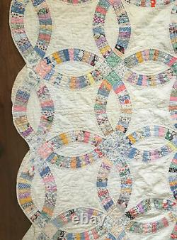 Vintage Double Wedding Ring Quilt, Scalloped Edges, Hand Stitched & Hand Quilted