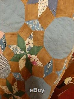Vintage Feed sack 1940s Hand Made Quilt 85 X 74