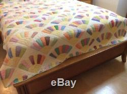 Vintage Hand Made Hand Stitched Hand Sewn Quilted Quilt Fan Pattern 66x80