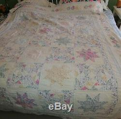 Vintage Hand Made Light Floral Pastels 8 Pointed Star Quilt 68 x 80