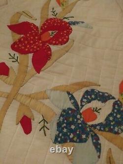 Vintage Handmade Applique Flower Quilt 88 X 80