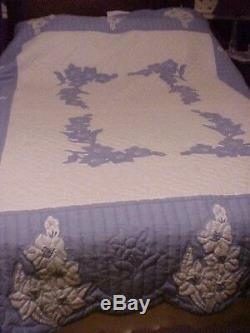 Vintage Handmade Applique Quilt Blue & White Flowers