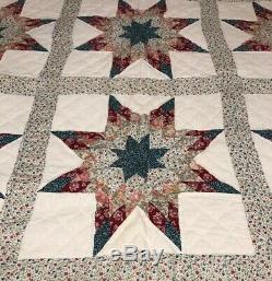 Vintage Handmade HAND QUILTED Star Quilt Pieced Block Quilt 69 X 86