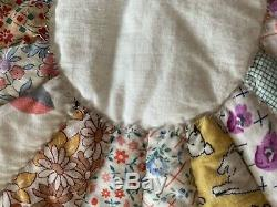Vintage Handmade Hand Stitched FeedSack Dresden Plate Scalloped Boarder Quilt