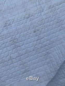 Vintage Handmade Quilt Squares Fine Quilting WithScalloped Edge 75x 91