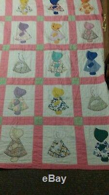 Vintage Handmade Quilt Sunbonnet Sue appliques have missing stitches, one dress