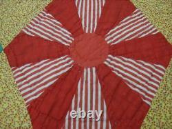 Vintage Handmade Unique Spoke Design Quilt c 1945