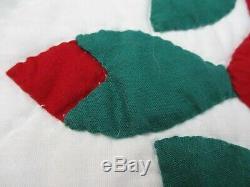 Vintage Handmade quilt 100 X 86 Red Roses pattern fine workmanship