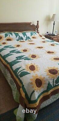 Vintage Probably All Cotton Hand Applique Sewn SUNFLOW Quilt Top 90 x 76
