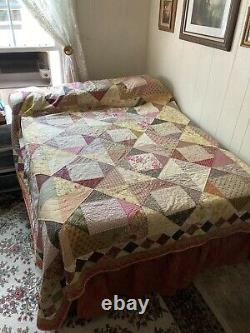 Vintage Style Queen Size Quilt, Block and Star Pattern, Hand Quilted