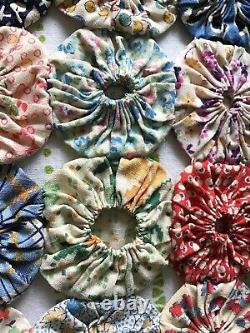 Vintage Yo Yo Quilt Top Coverlet 1930s-1940s Feed Sack Fabric Handmade 85 x 79