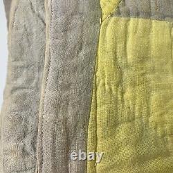Vintage quilt handmade hand sewn yellow star design full 68x75