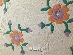 Vtg hand made quilt all appliqué